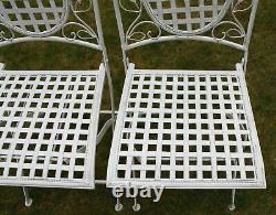 Ensemble De Meubles De Jardin Pliant Maribelle Table Ronde Et Deux Chaises Carrées