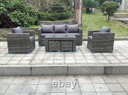 Le Sofa De Meubles De Jardin De Rattan D'osier Place La Table Basse Extérieure De Patio Avec Des Tabourets