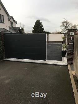 Les Portes D'entraînement En Métal Modernes Lambrissent Les Portes En Bois, Les Remises, Le Jardin 40mm Isolés